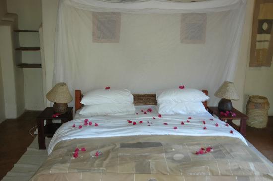 Flatdogs Camp: Chalet bedroom - very comfy!