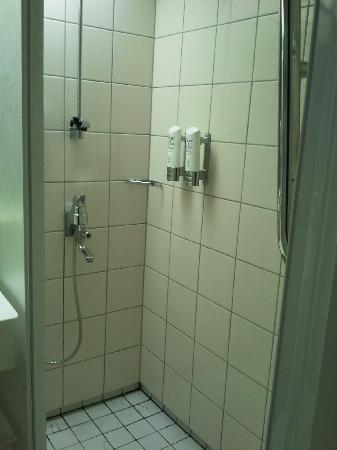 Original Sokos Hotel Presidentti: Bathroom