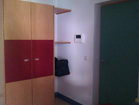 Youth Hostel Bourglinster: kamer