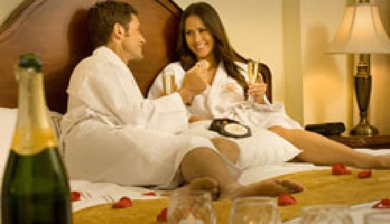 The Point Hotel & Suites: There's still time for Romance after a day shopping or in the theme parks