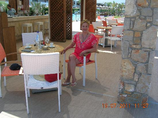 TUI SENSIMAR Palazzo del Mare: At the pool bar