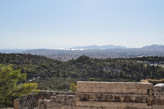 อะโครโปลิส: View towards Filoppapou Hill