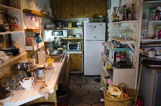 Narrow Door Cafe: Kitchen