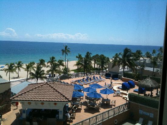 Courtyard Fort Lauderdale Beach: Ocean view room, 4th floor