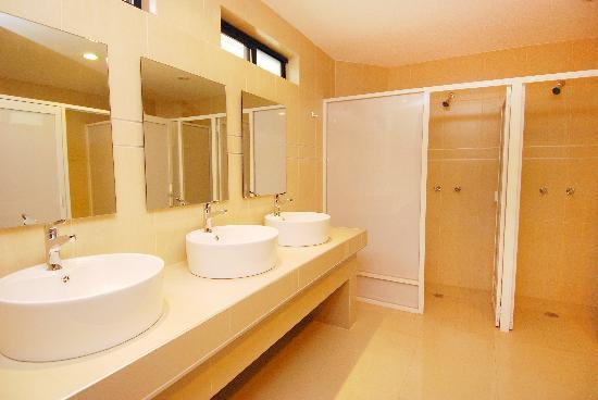 Olga Querida: Baños de dormitorios, Dorm´s baths