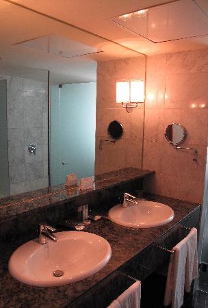 แกรนทอร์เรคาทาลันยาโฮเต็ล: Suite Bathroom