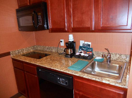 Homewood Suites by Hilton, Medford: Kitchenette also includes full size fridge with freezer