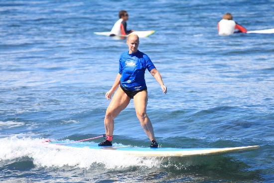Royal Hawaiian Surf Academy: surfing in maui