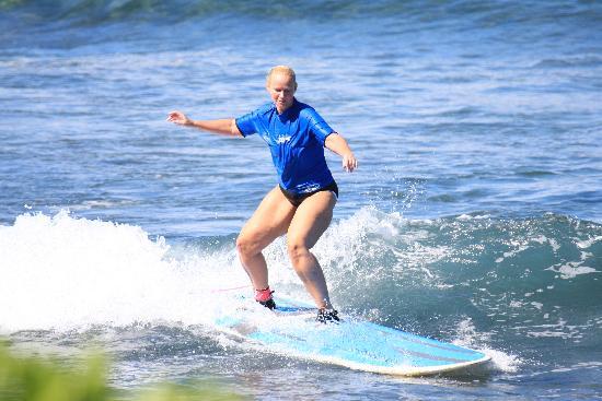 Royal Hawaiian Surf Academy: 1st time up!!