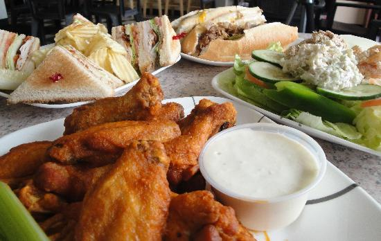 High Stakes Bar & Grill: Wings & More