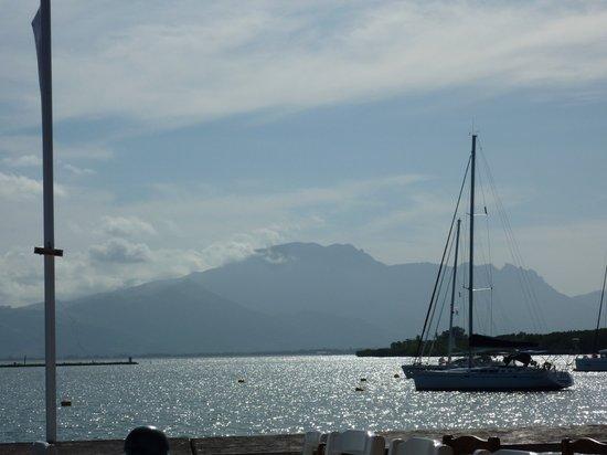 Port Denarau Marina: Breakfast at Cardos withthe Sleeping Giant in the background