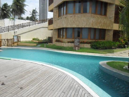 Visual Praia Hotel: Uma das piscinas