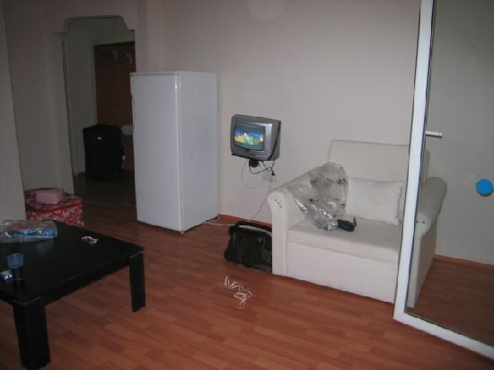 Bellacasa Suites & Club: living area