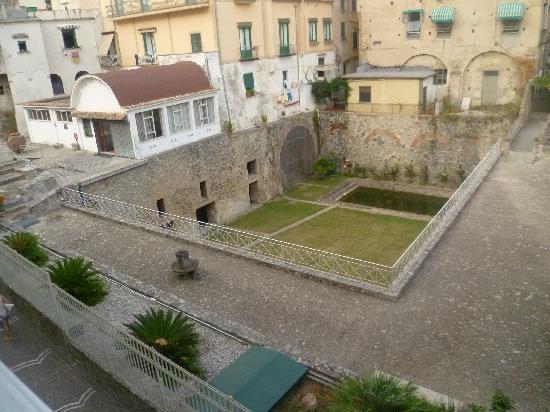 Hotel Santa Lucia: view of Villa Romana from Hotel room balcony