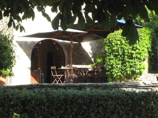 Fattoria Tregole: Breakfast Terrace