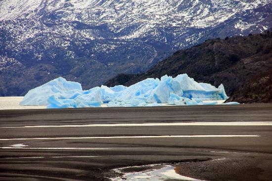 Torres del Paine National Park: Iceberg desprendido del glaciar Grace