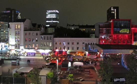 Hotel Monopol: Monopol - Aussicht bei Nacht