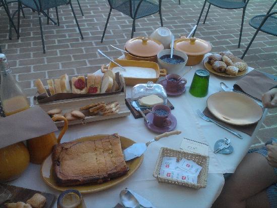 L'Orto di Panza: la colazione....tutta per noi!!!!