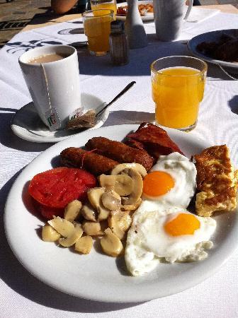 Anastasia Hotel: Breakfast