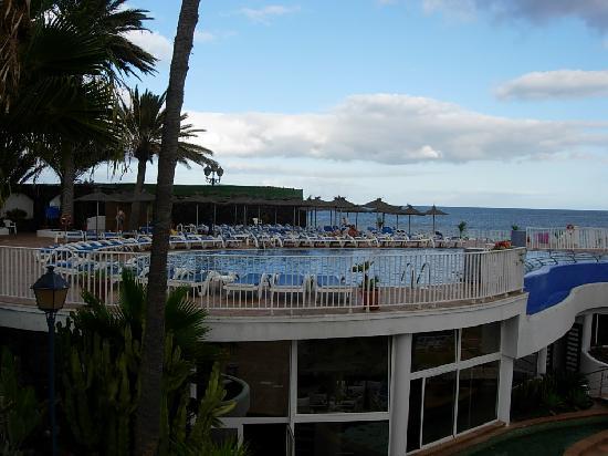 VIK Hotel San Antonio upper pool
