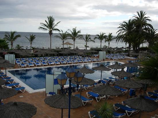 VIK Hotel San Antonio pool