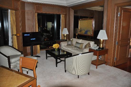 โรงแรมเพนนินซูลา กรุงเทพฯ: Living room