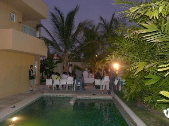 Posada Libert Hotel: El área de la piscina