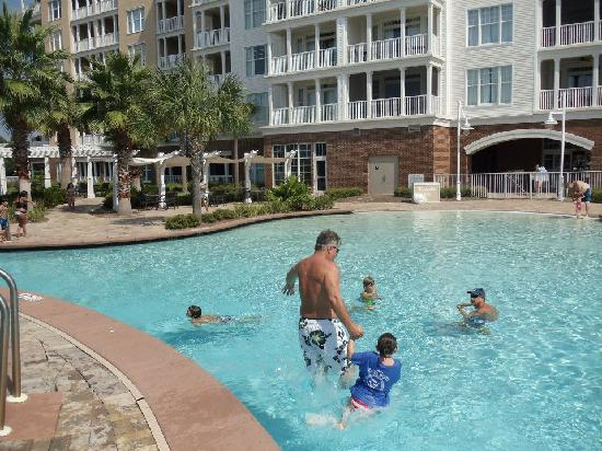 Bay Point Golf Resort & Spa: Fun at just one of the many pools!
