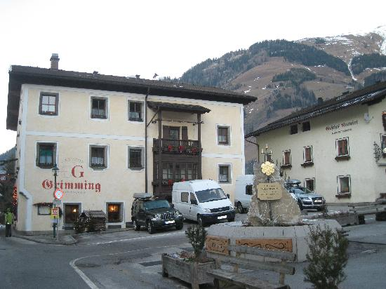 Grimming: Hotel from Rauris main square