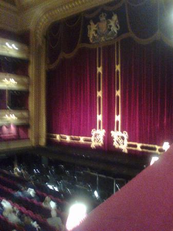 โรงละคร รอยัลโอเปร่า: View Of The Stage Before The Performance.