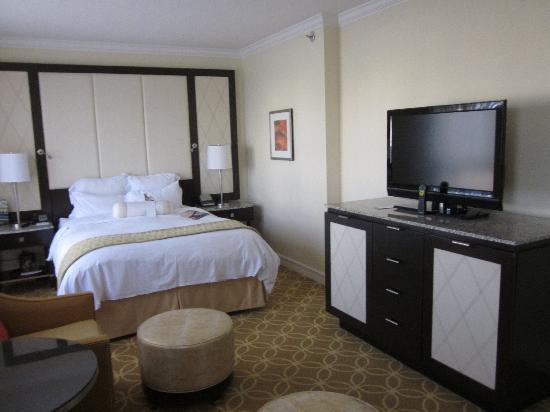 เรเนสซอง สแตนฟอร์ด คอร์ท: Our Room 1