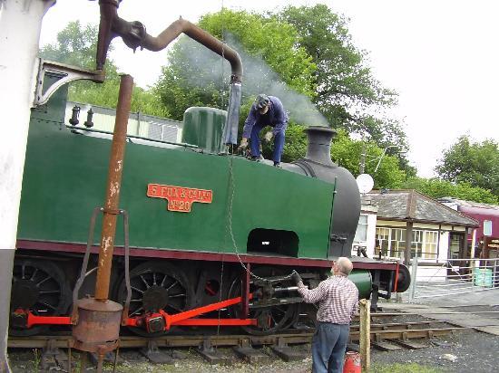Gwili Railway: One thirsty engine