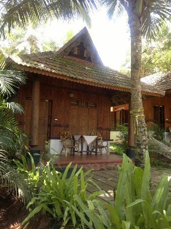 โซมาธีแรมเอยูรเวดารีสอร์ท: The cottage where I stayes