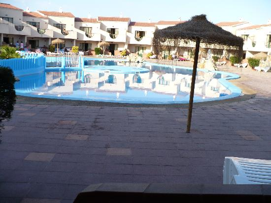 Los Lentiscos: Pool view from our apartment
