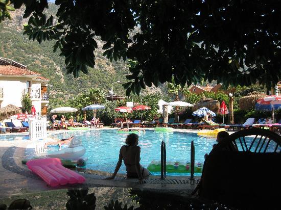Lagoon Hotel: The pool