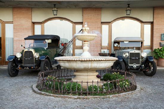 L'Ottava Hotel: parco macchine