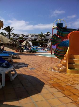 TUI Family Life Flamingo Beach Resort: fantastic pool!