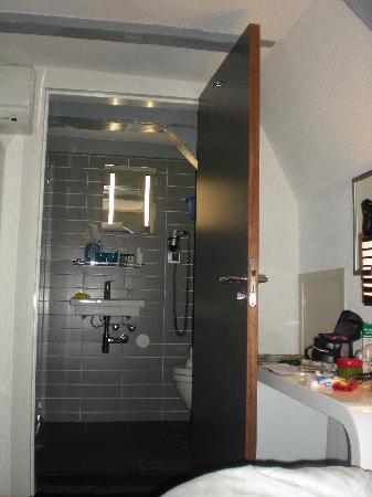 Hotel CC: bagno3