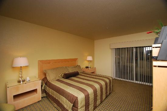WorldMark Las Vegas-Boulevard: King Bedroom
