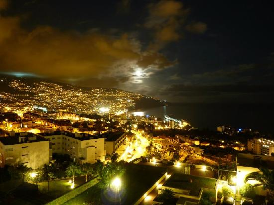 Madeira Panoramico Hotel : View from room at night - stunning!