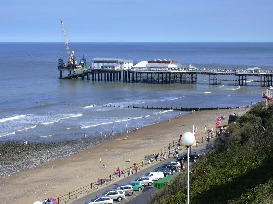 The Links Country Park Hotel & Golf Club: Cromer Pier