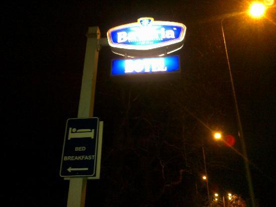 Botel Maastricht: entrée et petit parking devant