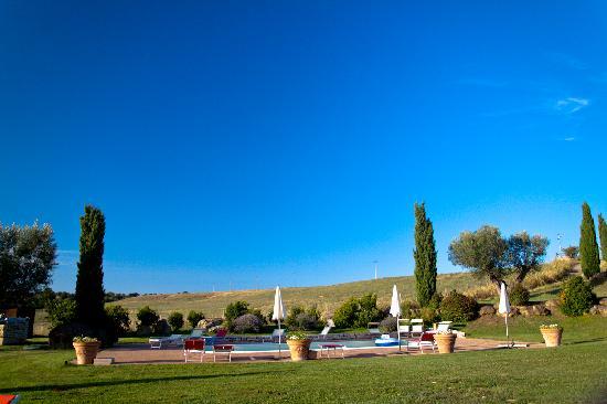 Agriturismo Cerrosughero: Vista Piscina
