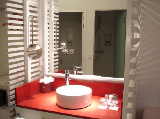 โรงแรมปอร์ต้า ฟิร่า: THE ROOM