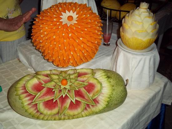 SunConnect One Resort Monastir: sculpture sur courge pasteque et melon