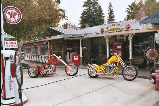 Woodland, CA: Reiff's Gas Station, a unique museum