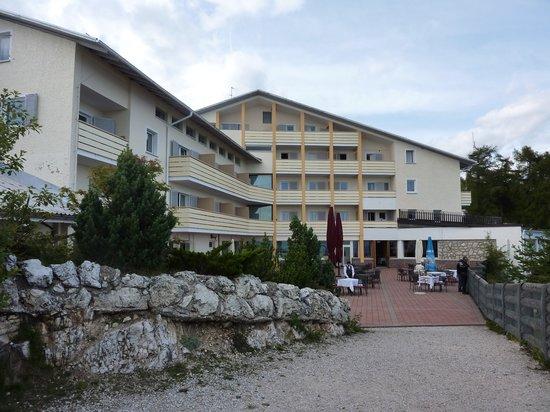 Serafino Penegal: Hotel Penegal mit Terrasse