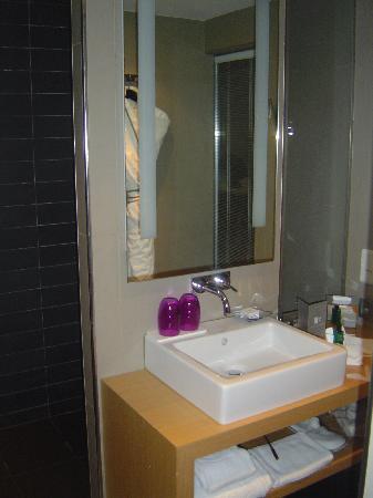 Sofitel Brussels Le Louise: Bathroom