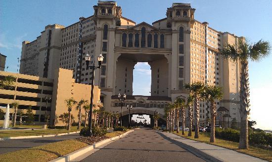 North Beach Plantation: The entrance