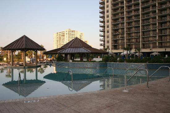 North Beach Plantation: infinity pool